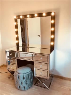 Küçük MakeUp Studio Makyaj Masası ve Ayna Takımı